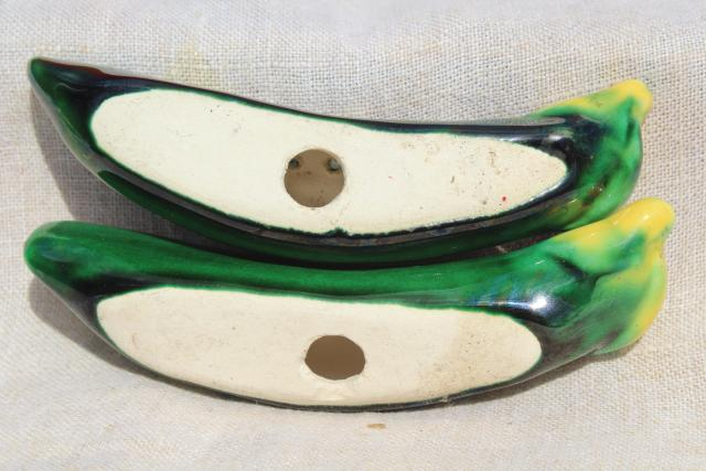 vintage Japan hand painted ceramic salt and pepper shakers, garden peas in a pod