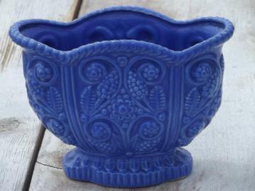 vintage Japan majolica, ceramic planter vase w/ blue grape hyacinths