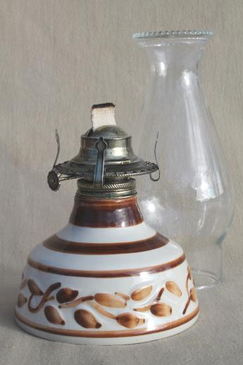 vintage Lamplight Farms working oil lamp, hurricane shade light w/ ceramic lamp base