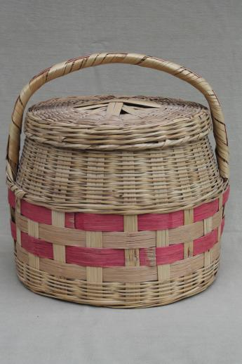 vintage Mexican basket w/ lid - picnic hamper or covered basket for sewing & knitting
