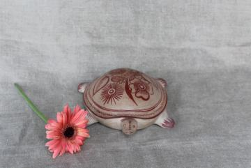 vintage Mexican pottery turtle, burnished clay w/ henna colored painted flowers