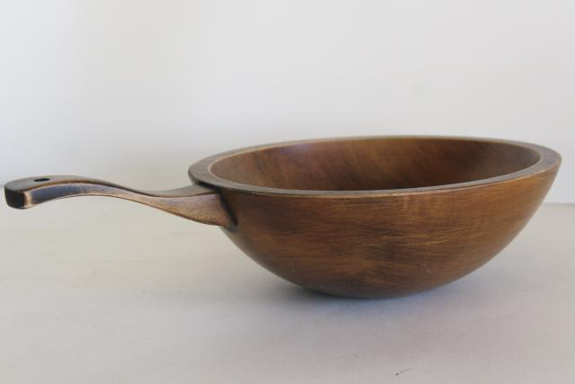 vintage Munising wood bowl with handle, rustic farmhouse country primitive