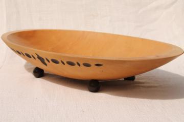 vintage Munising wooden ware, large oval wood bowl w/ carved acorns