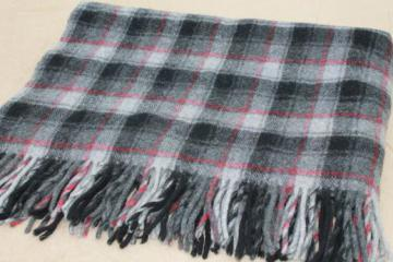 vintage Pendleton label wool throw, grey & red plaid camp blanket w/ wooly fring
