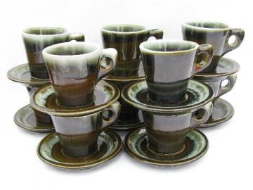 vintage Pfaltzgraff pottery, green drip gourmet stoneware, 10 cups and saucers