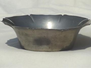 vintage Plymouth pewter bowl, colonial style fluted rim serving bowl
