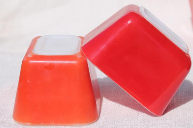 vintage Pyrex fridge boxes, red refrigerator leftover containers w/ lids