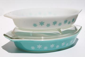 vintage Pyrex glass casseroles, aqua blue & white snowflake pattern