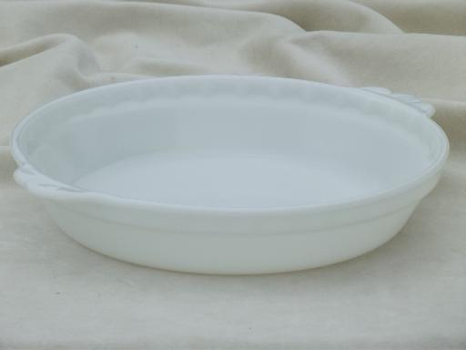 & vintage Pyrex milk glass pie pan flavor saver pie plate in plain white
