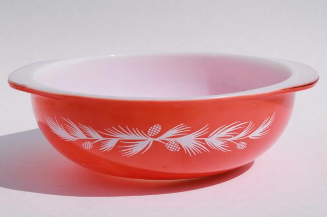 vintage Pyrex red & white holiday pinecones pattern casserole 024, no glass lid