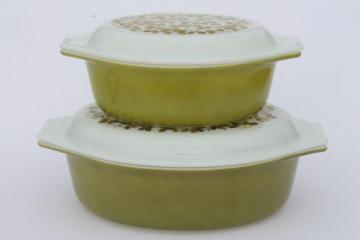 vintage Pyrex verde green mistletoe print casseroles set, large & small oval baking dishes