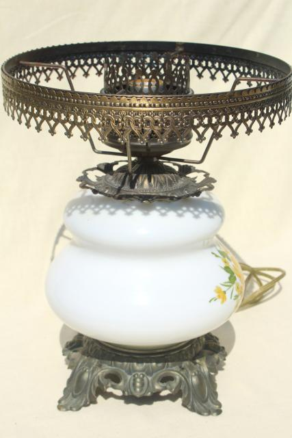 Vintage Quoizel Hand Painted Milk Glass Chimney Shade Lamp