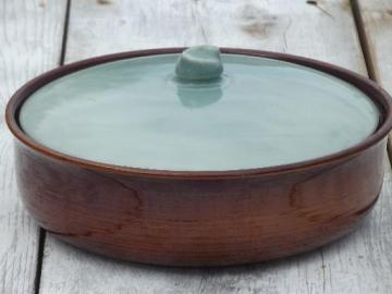 vintage Red Wing Village Green large casserole round baking dish w/ lid