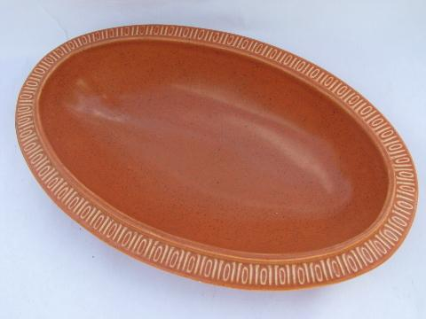 vintage Red Wing oval vegetable bowl, adobestone, or hearthstone orange