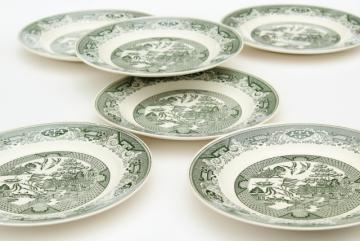 vintage Royal china green willow dinner plates, blue willow in green!