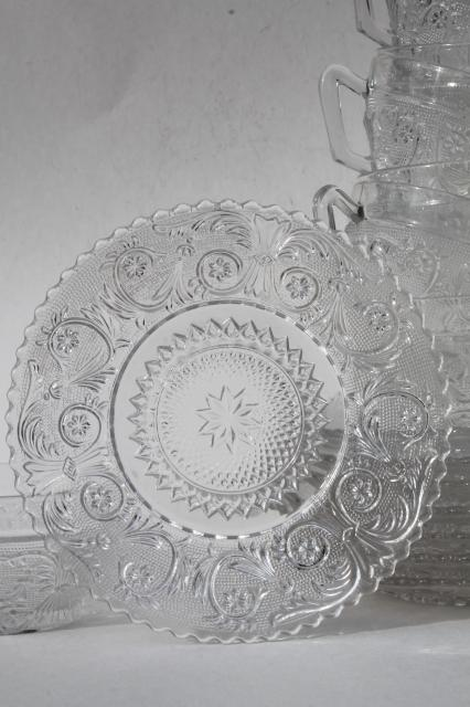 Vintage Sandwich Pattern Pressed Glass Cups Amp Saucers