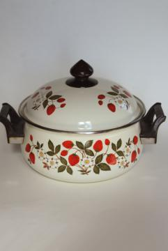 vintage Strawberries n Cream go-along dutch oven enamel pot and lid