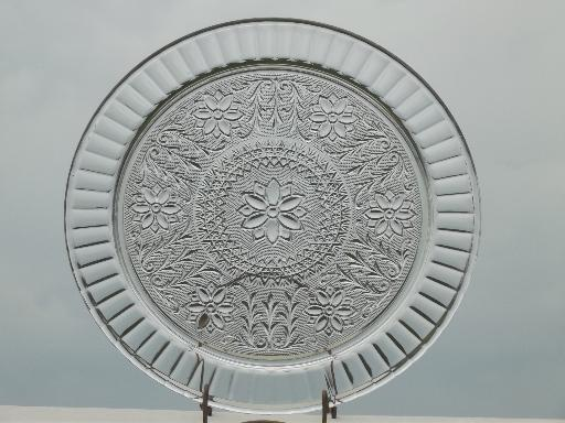 & vintage Tiara sandwich daisy pattern glass plateau flat cake plate