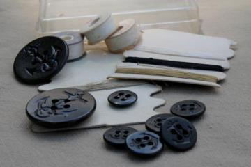 vintage US Navy uniform buttons sewing / mending kit, anchor buttons
