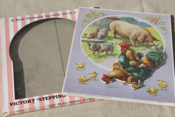 vintage Victory / JW Spear wood jigsaw puzzle, farm scene hen & rooster Stepping Ou