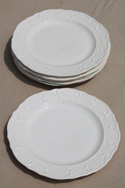 vintage Vogue Washington Colonial antique white embossed border dinner plates & vintage Vogue Washington Colonial antique white embossed border ...