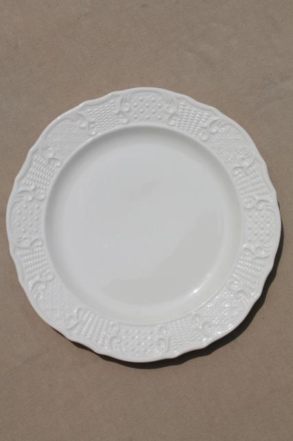 vintage Vogue Washington Colonial antique white embossed border dinner plates