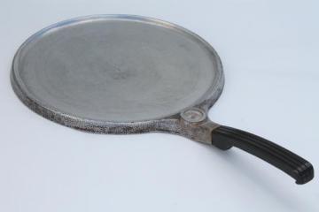 vintage Wear-Ever aluminum, Grandma Layne's skillet griddle w/ temperature gauge