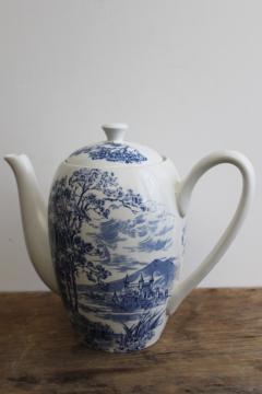 vintage Wedgwood china coffee pot, Countryside blue & white pattern