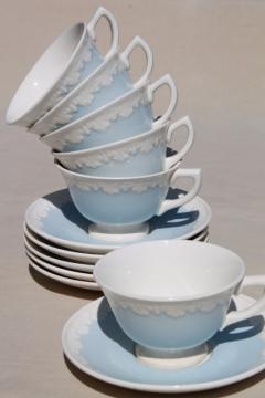 vintage Wedgwood china tea cups & saucers, Albion blue & white Corinthian embossed border