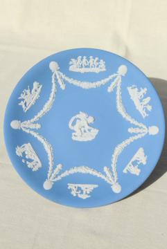 vintage Wedgwood jasperware blue & white china plate, 8 3/4 diameter