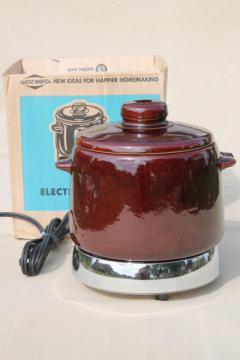 vintage West Bend electric bean pot, cooker w/ stoneware crock for baked beans