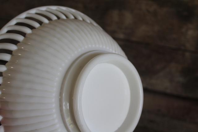 vintage Westmoreland milk glass spoke & rim openwork edge ribbed glass bowl