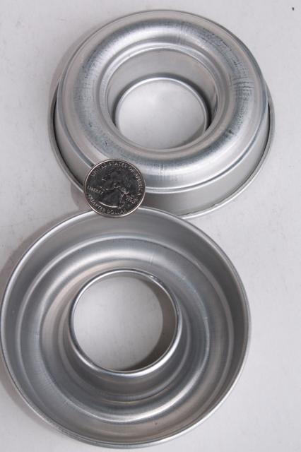Vintage Aluminum Baking Pans For Individual Cakes Or Jello