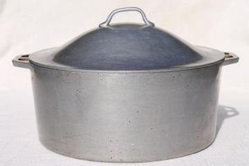 vintage aluminum dutch oven, big 4 qt chili stew pot for camp cookware