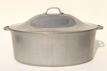 vintage aluminum oval roaster dutch oven, big old Super Maid roasting pan for camp cookware