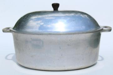 vintage aluminum oval roaster dutch oven, big roasting pan for camp cookware