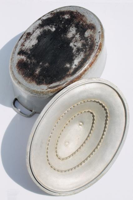 Vintage Aluminum Oval Roaster Dutch Oven Big Roasting Pan