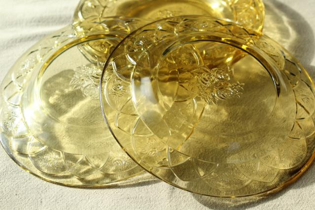 vintage amber yellow depression glass, Rosemary Federal glass bread & butter or salad plates