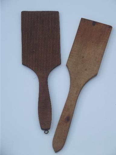 vintage & antique kitchen  woodenware, lot of wood spoons & kitchen tools