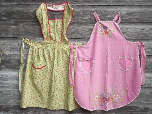 vintage apron lot, half aprons & pinafores in retro cotton print fabric