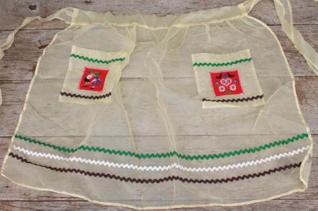 vintage apron lot, kitchen aprons all retro fabric, pretty prints in yellow, green, blue