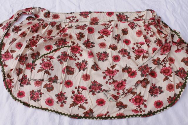 vintage apron lot, kitchen aprons & holiday aprons all retro fabric, cute cotton prints