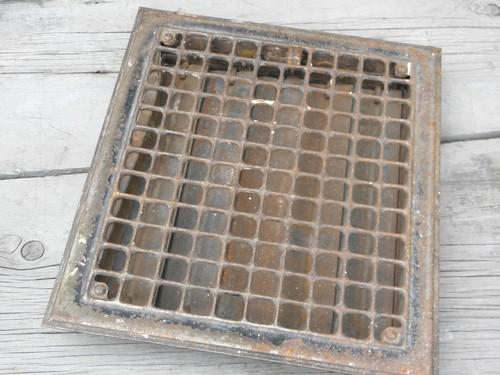 Vintage architectural iron hardware old floor or wall for 10 x 12 floor grate