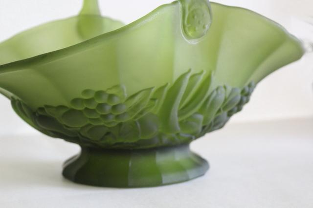 vintage avocado green frosted glass basket, Indiana garland or banana fruits pattern