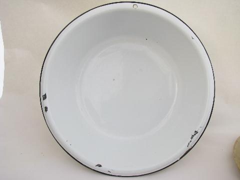 Laundry Bowl : ... banded enamelware laundry / kitchen dish pan lot, big primitive bowls