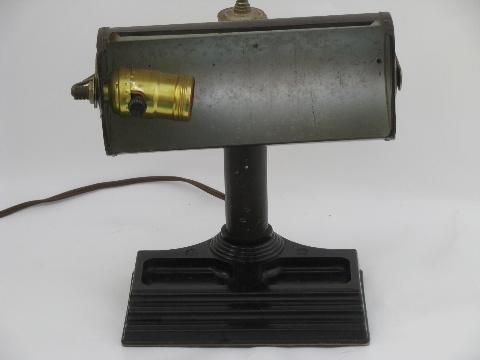 Vintage Banker S Desk Lamp Metal Shade On Bakelite Base