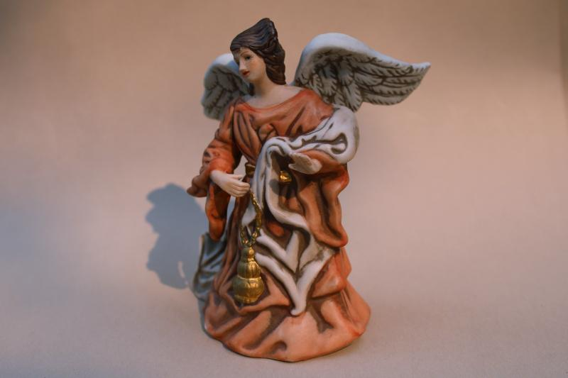 vintage bisque china Christmas angel music box Joy to the World 70s Roman label
