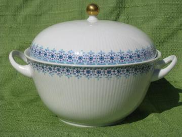vintage blue and white china covered serving bowl, Wunsiedel - Bavaria