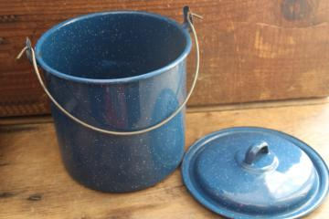 vintage blue graniteware enamel camp cooking kettle, chuck wagon stockpot w/ wire handle