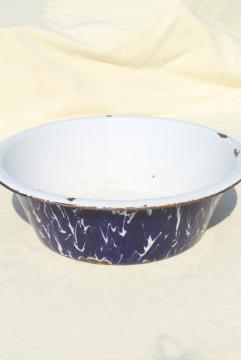 vintage blue swirl enamelware dishpan, big old primitive wash basin bowl, 1930s